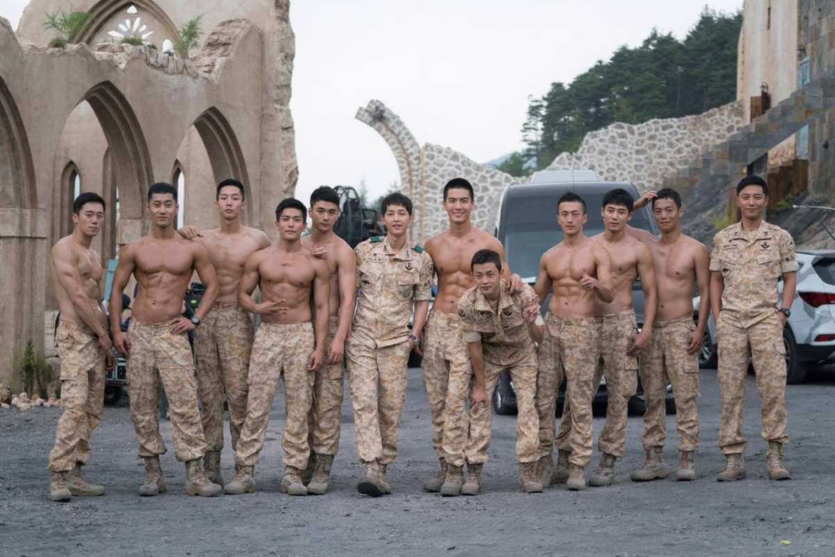 Drool over these abs-olutely hot Special Forces' soldiers in Descendants of the Sun!