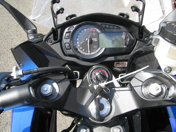 新車 カワサキ NINJA1000 ABS ブルー/ブラック メーター周り
