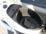 ヤマハ JOGZR ホワイト シートボックス2