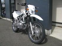 カワサキ KLX125 ホワイト 前側