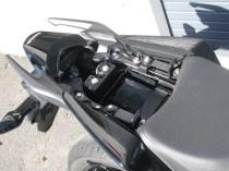 中古車 ホンダ CB250F ABS ブラック タンデムシート下収納