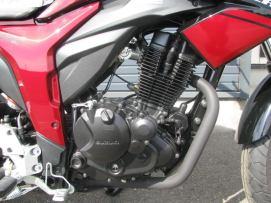 新車スズキ ジクサー(150cc) レッド/ブラック エンジン