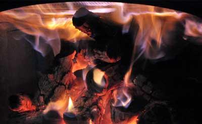 乾燥薪でつくるオーロラ