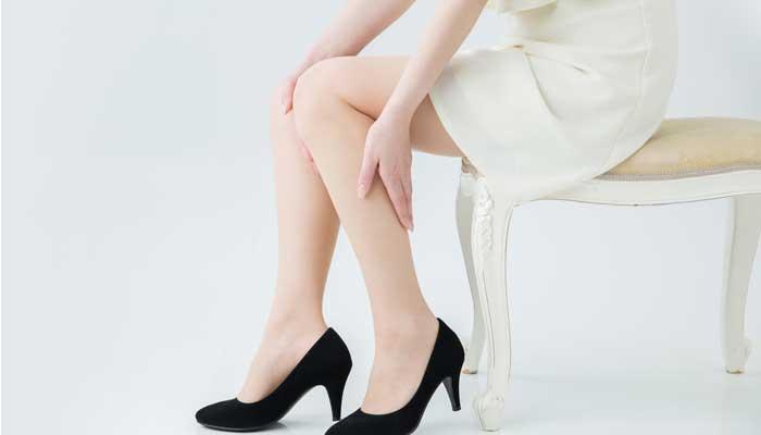 結節性痒疹に悩む女性のイメージ画像