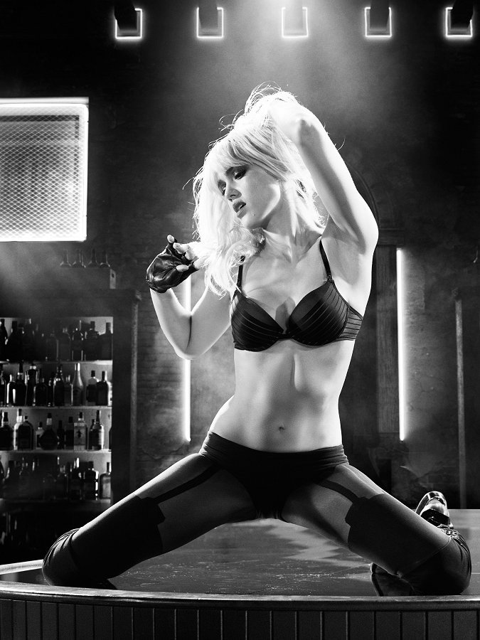 Monochromatic Monotony A Review Of Sin City A Dame To