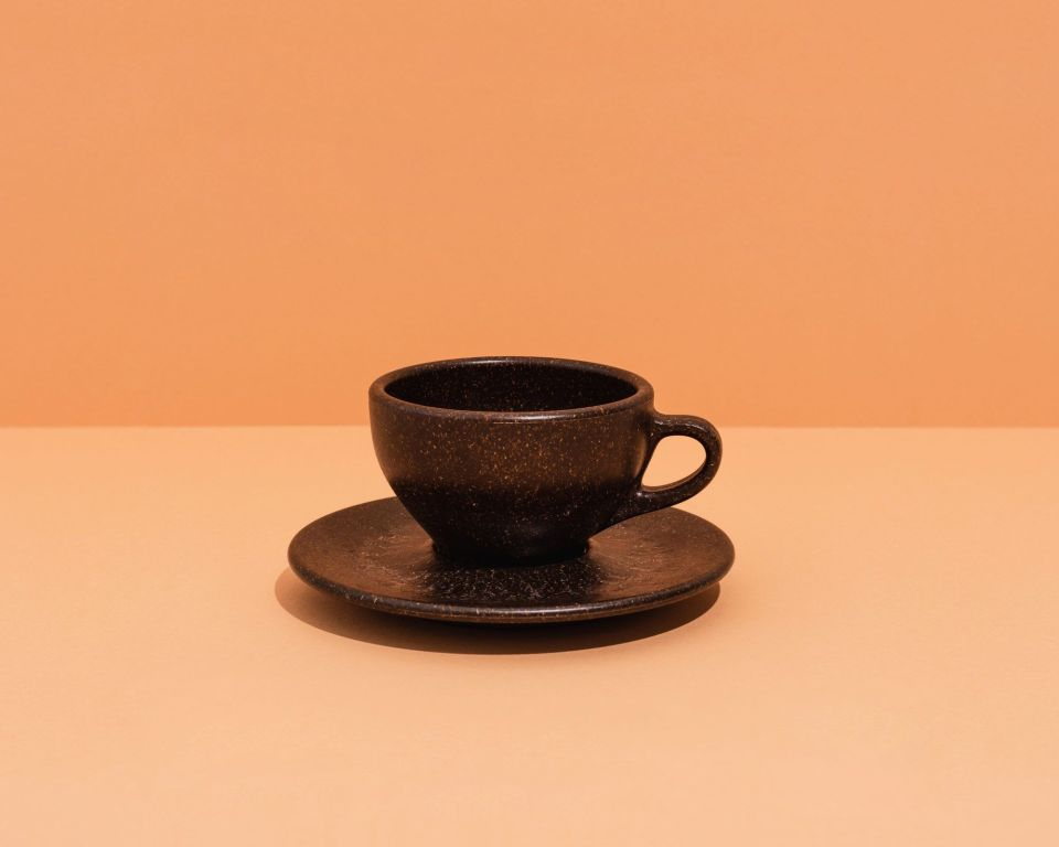 filiżanka kawy z fusów po kawie.