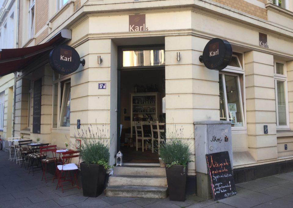 Karls Café & Weine von außen