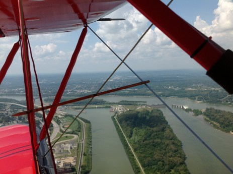 View of Ohio River between Kentucky and Indiana