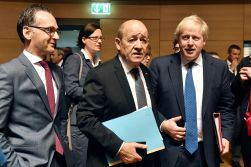 FILE PHOTO: German Foreign Minister Heiko Maas and former Britain's Foreign Secretary Boris Johnson talks with French Minister for Foreign Affairs Jean-Yves Le Drian. REUTERS/Eric Vidal