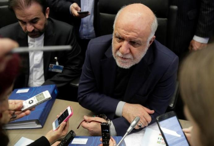 FILE PHOTO - Iran's Oil Minister Bijan Zanganeh.REUTERS/Heinz-Peter Bader