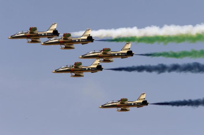 FILE PHOTO: Al Fursan, the UAE Air Force performs during Dubai Airshow November 8, 2015. REUTERS/Ahmed Jadallah/File Photo