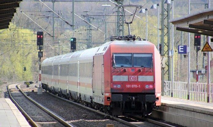 deutsche-bahn-2168582_960_720