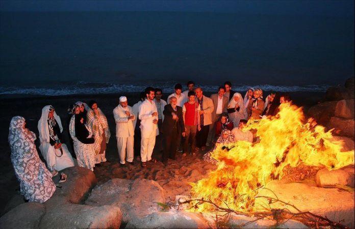 Chaharshanbe_Suri_by_southern_Iranian_people