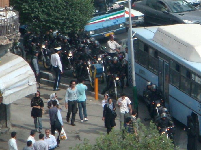 2009-06-24T120000Z_1571837974_GM1E56P0ARV01_RTRMADP_3_IRAN-ELECTION