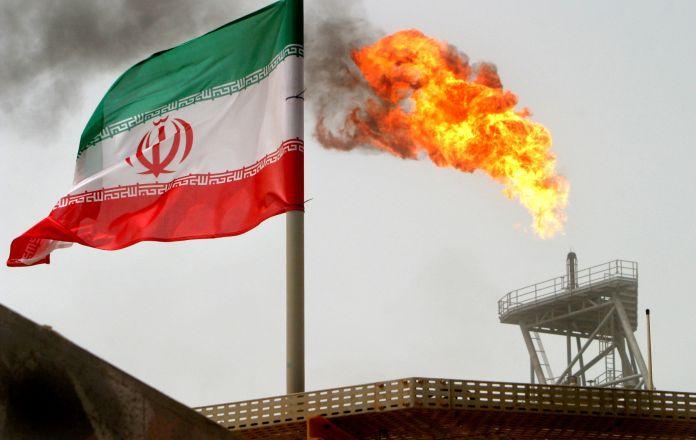 2019-03-21T151652Z_1694381180_RC139ED4DB20_RTRMADP_3_IRAN-OIL-EXPORTS