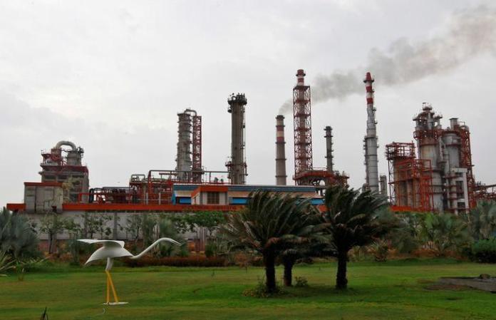 india-48y83478-oil