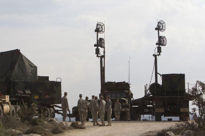 2012-10-23T120000Z_115695709_GM1E8AN1Q2R01_RTRMADP_3_US-ISRAEL-MILITARY