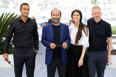 """FILE PHOTO: The 74th Cannes Film Festival - Photocall for the film """"A hero"""" (Ghahreman) in competition - Cannes, France, July 14, 2021. Director Asghar Farhadi, cast members Amir Jadidi and Sarina Farhadi and producer Alexandre Mallet-Guy pose. REUTERS/Reinhard Krause/File Photo"""