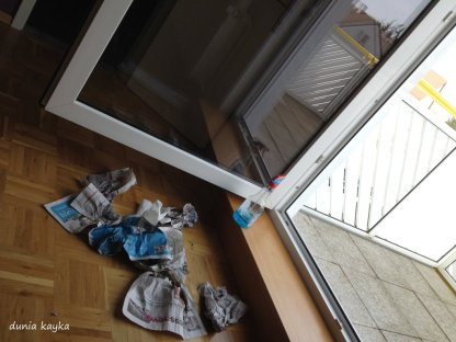 pintu menuju balkon