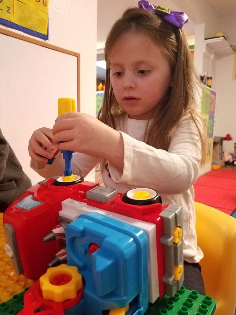Picasso Tiles PTT300 Fire Truck | Playland Preschoolers