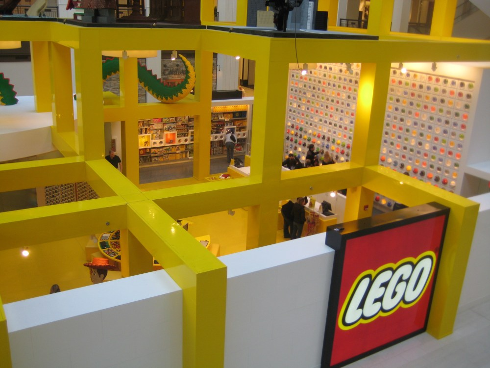 Legoland continues to dazzle at Mall of America (and Shareology)! (1/6)