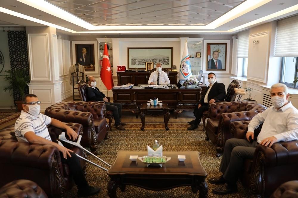 Melikgazi Belediyesi Bedensel Engelliler Gençlik ve Spor Kulübü Ampute Takımı Başkan Palancıoğlu'nu ziyaret etti