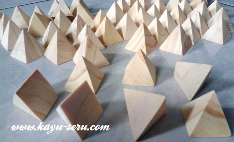 piramida kayu - Pesanan Membuat Limas Segi Empat Dari Kayu
