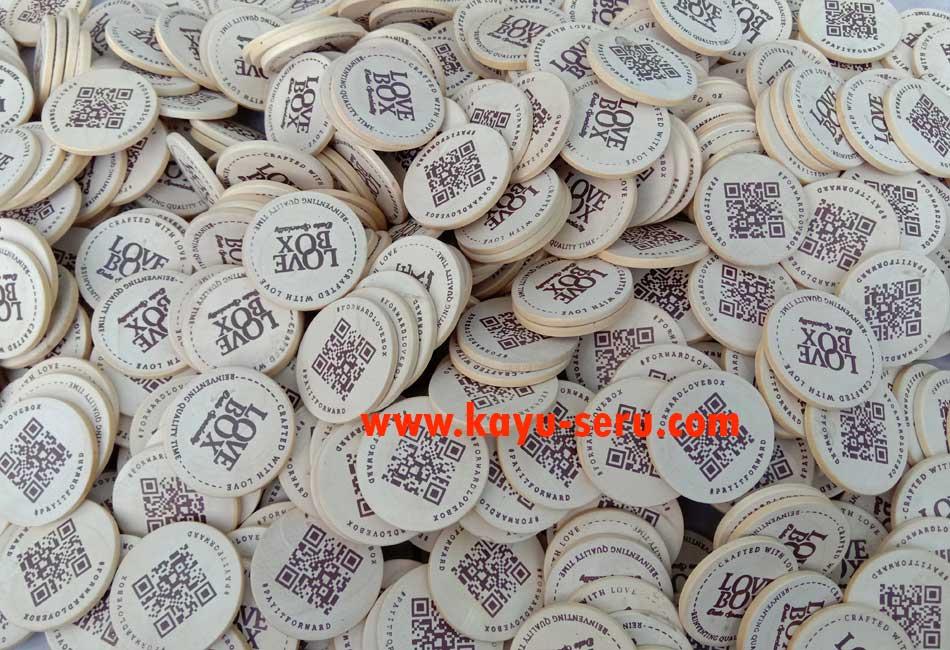 souvenir koin - Souvenir Koin Kayu Untuk Hiasan isi Kotak Hadiah