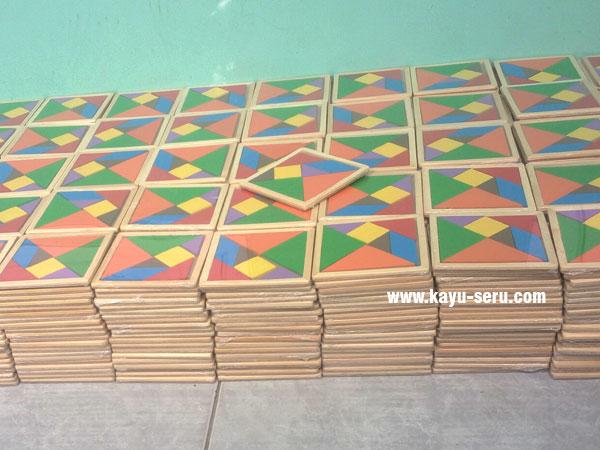 pesanan custom tangram kayu