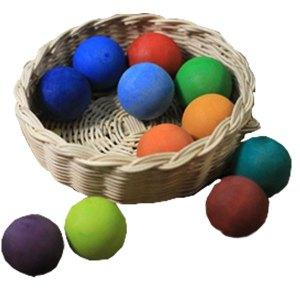 bola warna kayu