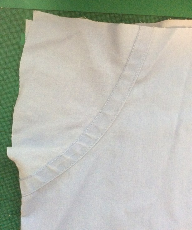 How to turn an old shirt into a shopping bag