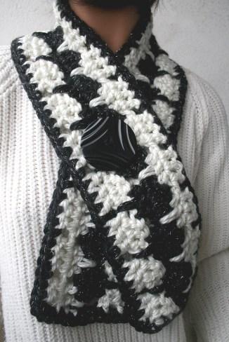 Echarpe au crochet assortie