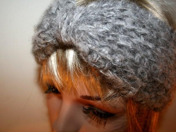 Turban gris clair et gris foncé en alpaga et soie, au crochet - Création Kazamarie