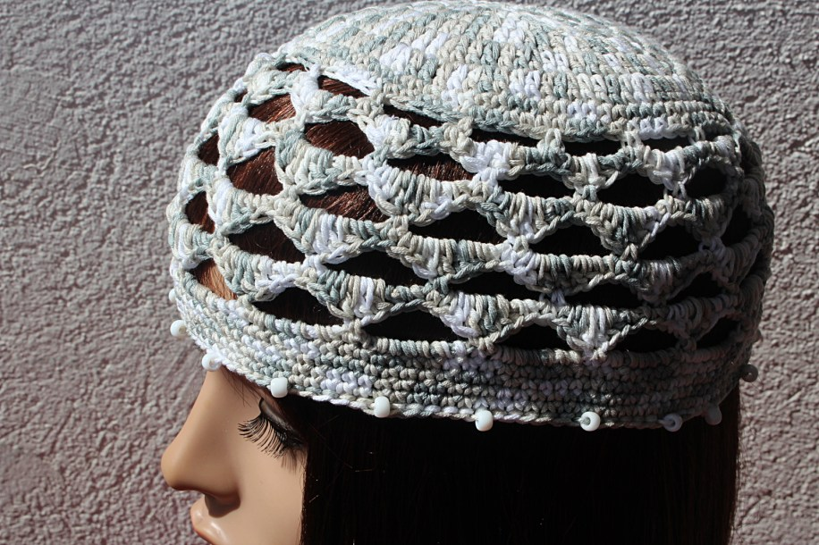 chapeau_bord_perles_gris_blanc_04