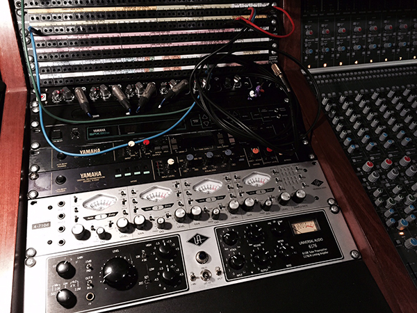 Ravenscourt Studios Universal Audio 4-710D Preamp from Kazbar Systems