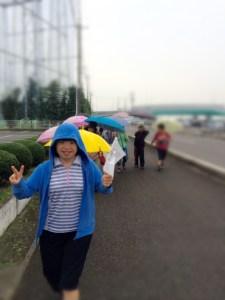 何度かシュミレーションした結果、小学生の歩くスピードに丁度良い!と選ばれた愛美さんが先導役で純平くんが最後尾です。