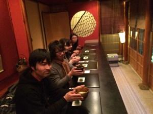 金沢の伝統と格式に気後れする5人