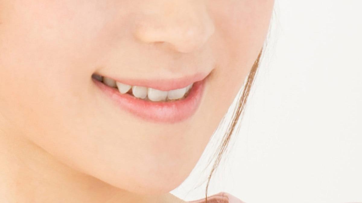 顔ヨガで笑顔を作り出そう~歯を噛みしめる~