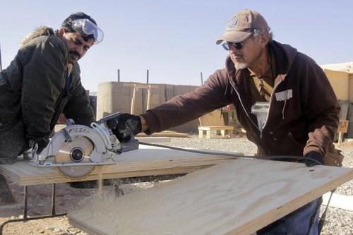 men-working-978395_640