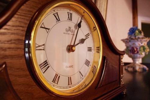 clock-1326411_640