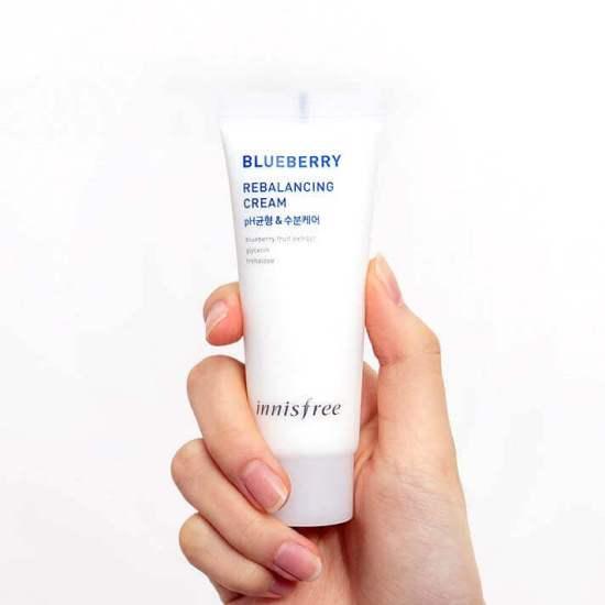 Innisfree-Blueberry-Rebalancing-55-Cleanser2