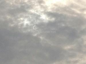 金曜日食は900年ぶりに日本国内で大阪からも観測、肉眼でも確認できiPhoneで撮影してみた