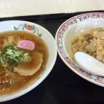 お昼寝は餃子の王将 ラーメン炒飯セット。不健康そうな味わいでウマい。たまには良いよね http://t.co/hhfiPY6dxT