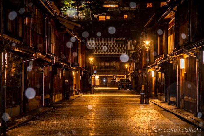 金沢・ひがし茶屋街雪の夜