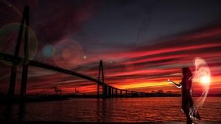 圧倒されるエロ空の下で夕焼けポートレートを撮っていく~富山・新湊大橋~