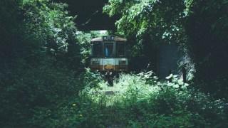 のと鉄道廃線跡と廃列車に時の流れを思ふ