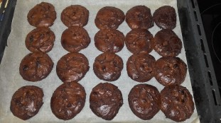 chocolate-brownie-biscuits-15