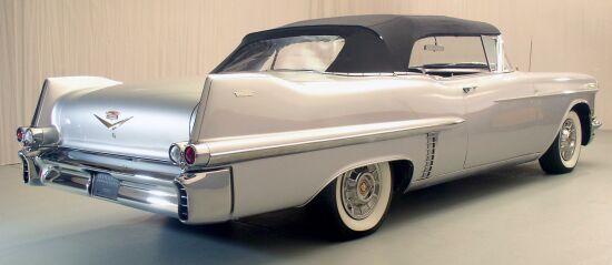 1957 Cadillac 62 Convertible_2