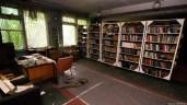 zabroshennaya-biblioteka-1
