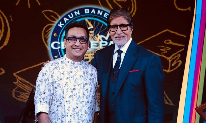 AMitabh at KBC set with the Director